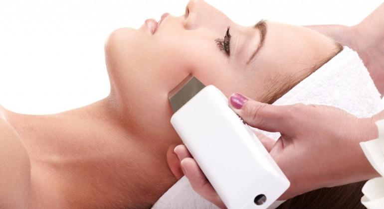Ультразвуковая чистка лица: особенности, преимущества